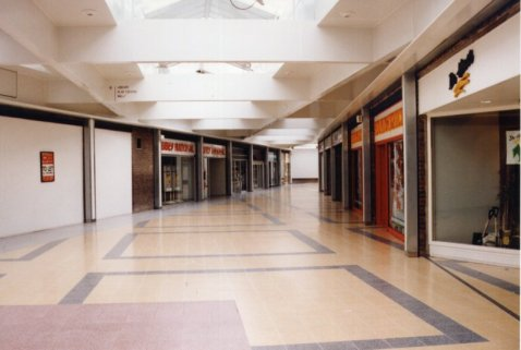Deserted Shopping Mall 2